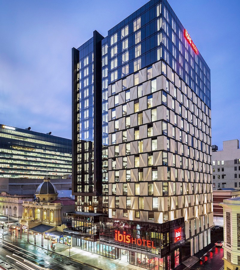 ibis hotel pact